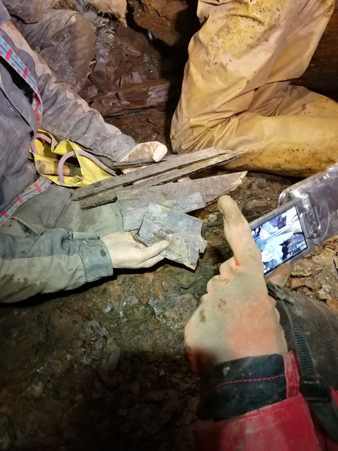 Whitby jet samples from a roof collapse in the mine